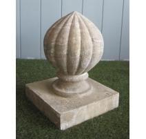 Boule décorative en pierre