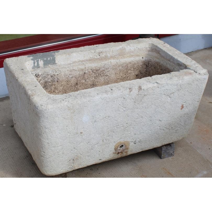 pierre eau en pierre du jura moinat sa antiquit s. Black Bedroom Furniture Sets. Home Design Ideas