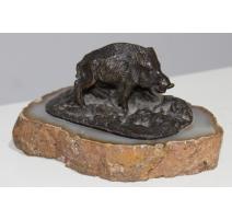 Sanglier en bronze sur un socle en agathe
