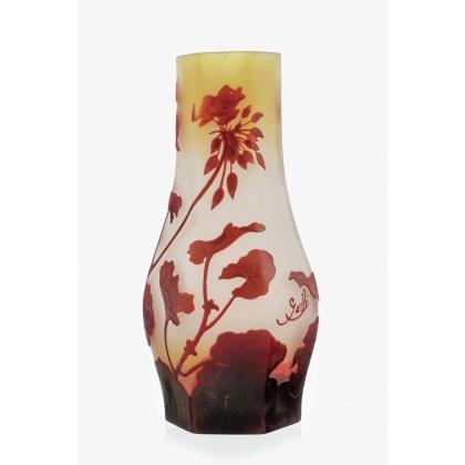 Vase hexagonal signé GALLÉ