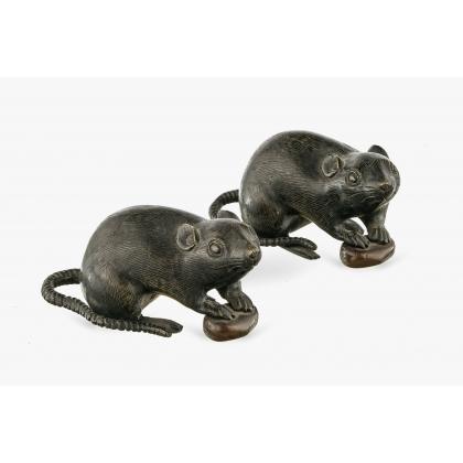 Paire de rats et châtaignes en bronze