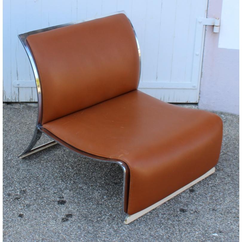 Chauffeuse en cuir brun et chrome