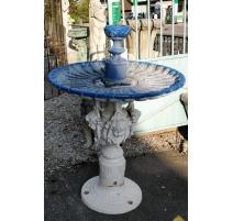 Fontaine ronde en fonte