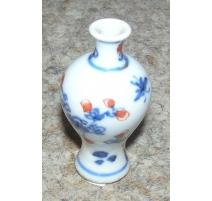 Vase miniature en porcelaine de Chine