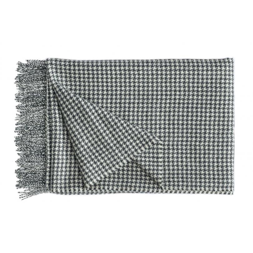 plaid gentleman en laine d 39 alpaga noir et blanc moinat. Black Bedroom Furniture Sets. Home Design Ideas