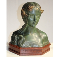 Buste Ophélie en terre cuite verte signé WEDÈRE