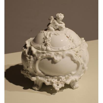 Bonbonnière Ange en porcelaine de Saxe