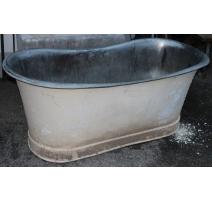 Baignoire en cuivre étamé peinte blanche