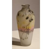 Vase balustre décor de pives signé DAUM