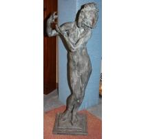 Femme dénudée en bronze