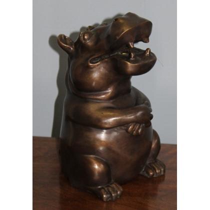 Hippopotame assis en bronze