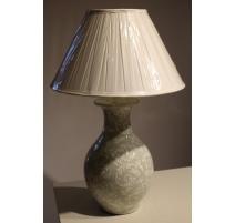 Lampe en porcelaine céladon, abat-jour blanc