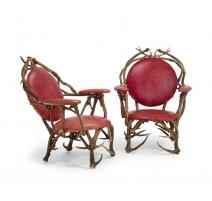 Paire de fauteuils de chasse monogrammés SGH