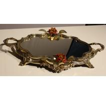 Plateau miroir en laiton orné de roses