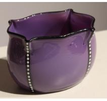 Coupe en verre violet et noir avec points blancs