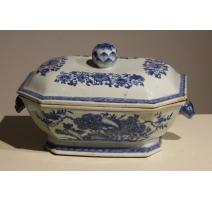 Légumier en porcelaine bleu et blanc