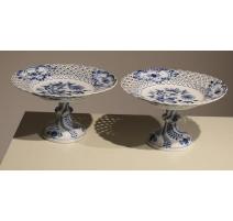 Paire de plats sur piédouche en porcelaine MEISSEN