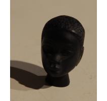 Buste homme africain en pierre de lave