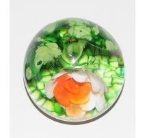 Sulfure fleur de nénuphar et deux grenouilles
