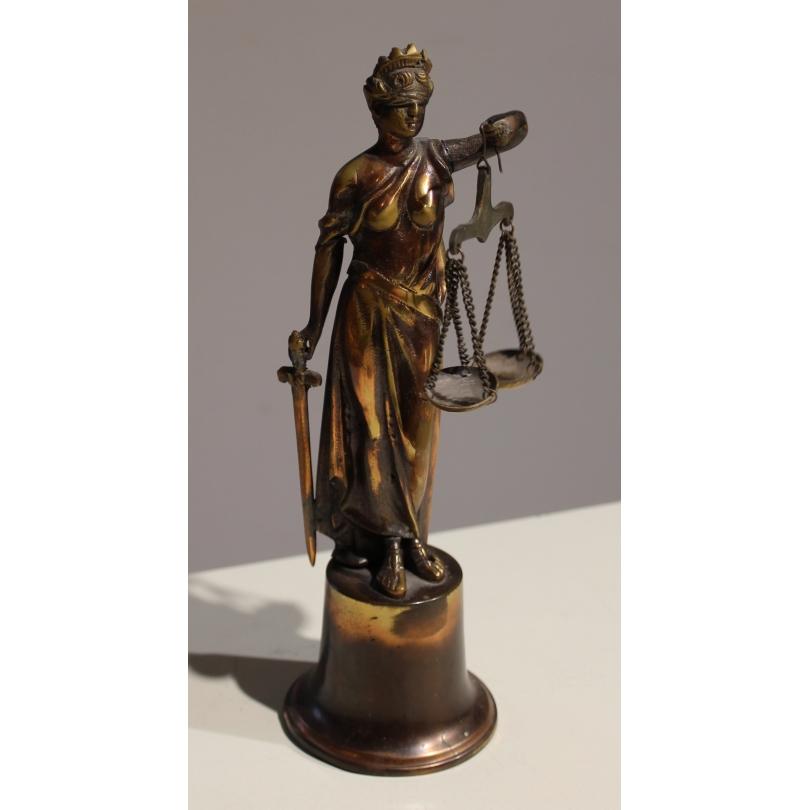 Justice en bronze