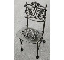 """Chaise """"Lierre"""" en fonte coloris vieux bronze"""