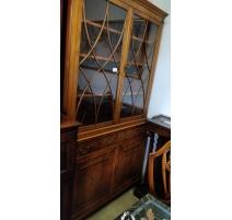 Meuble-vitrine style Regency en if