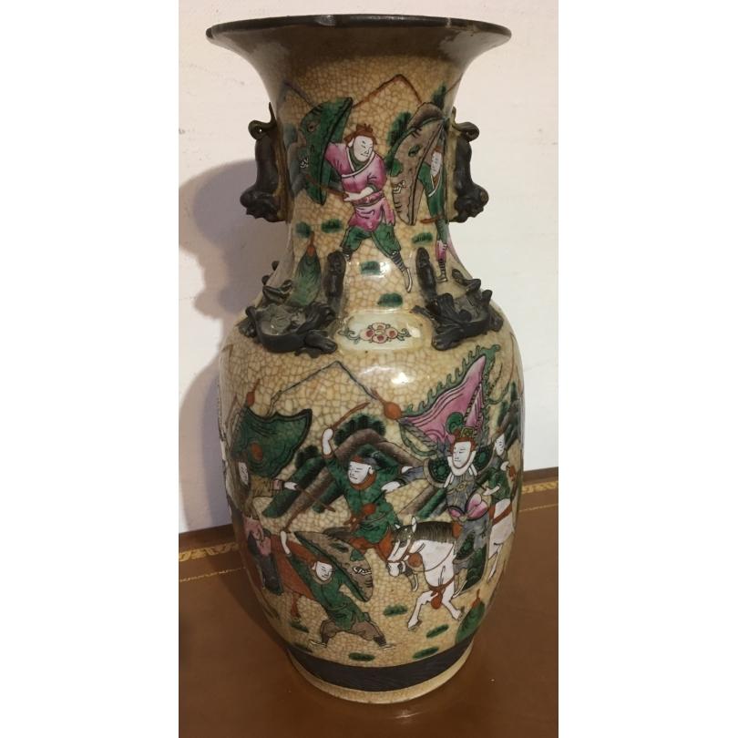 Vase en porcelaine craquelée - Bataille