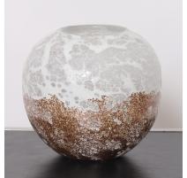 Vase boule émaillé or et blanc