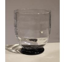 Vase en verre à talon noir signé ORREFORS