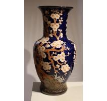 Vase chinois en grès fond bleu décor arbre