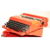 Machine à écrire VALENTINE par OLIVETTI
