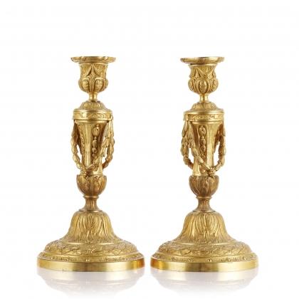 Paire de flambeaux style Louis XVI