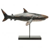 Requin en résine sur une base en métal noir