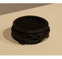 Socle chinois en bois sculpté