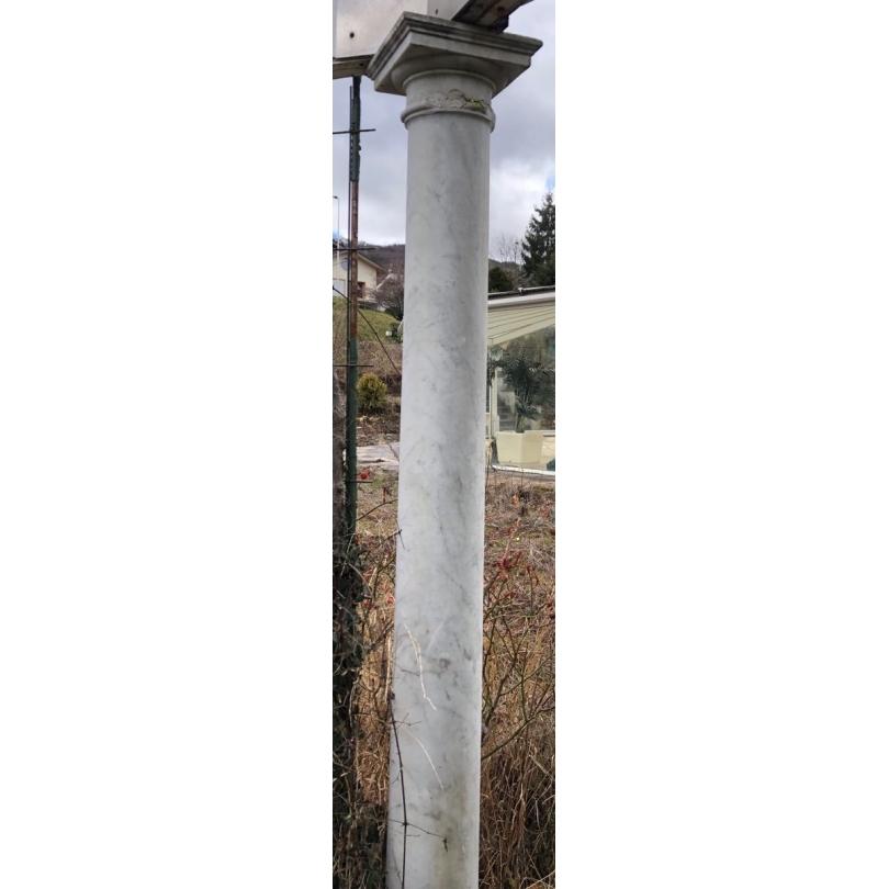 Paire de colonnes en marbre de Carrare