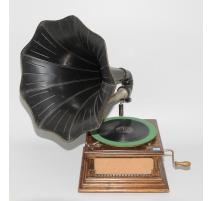 """Gramophone à pavillon noir """"His Master's Voice"""""""