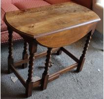 Table anglaise ronde à abattants en chêne