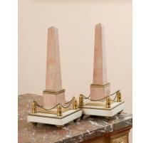 Paire d'obélisques Louis XVI en marbre rose