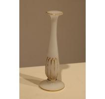 Vase soliflore en opalines blanche, décor géométr