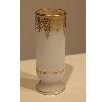 Vase tube en opalines blanche, filets dorés