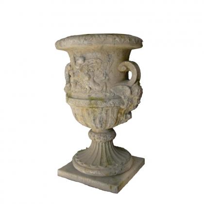 Vase Médicis décoré d'angelots