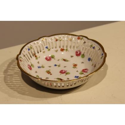 Corbeille en porcelaine de Nyon par TERRIBILINI