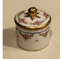 Petite boite en porcelaine de Nyon par SAUBERLIN
