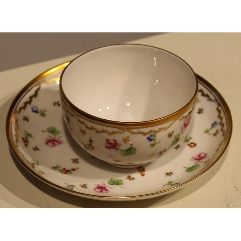 Bol et sous-tasse en porcelaine de Nyon