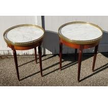 Paire de tables Louis XVI rondes, dessus marbre