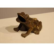 Grenouille en bronze provenant du jeux