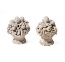 Paire de paniers fleuris en pierre de Vicenza