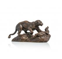 "Bronze ""Lionne attaquant une loutre"" signé BARYE"