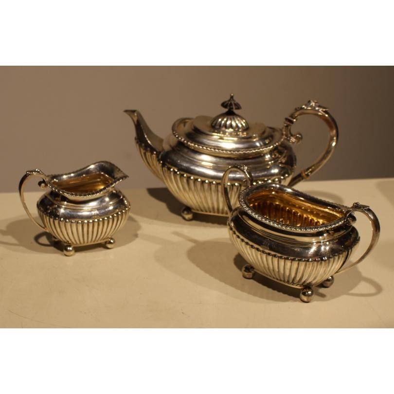 Service à thé anglais en argent