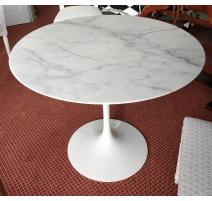 "Pedestal ""Tulipán por Eero Saarinen para KNOLL"